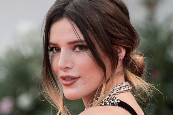 Bella Thorne: There are people that just want to get girls naked on camera - Hollywood News in Hindi
