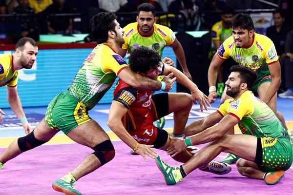 PKL 7: Bengaluru Bulls comeback to beat Patna Pirates 40-39 - Sports News in Hindi