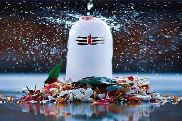 सावन में इन चीजों को खाने से भगवान शिव हो जाते हैं नाराज