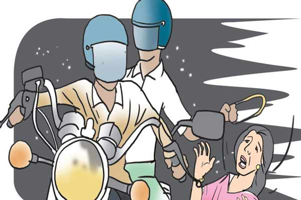 Bike riding chain Snatcher active in Jaipur, chain broken by two women throats - Jaipur News in Hindi