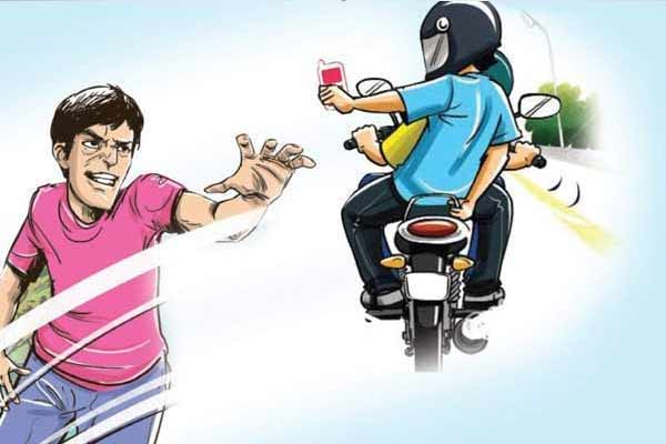 Bike riding miscreants snatched away youth from Jaipur - Jaipur News in Hindi