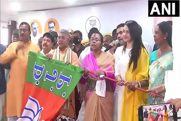 TMC MLA Sonali Guha, Dipendu Biswas and many veteran leaders join BJP, see photos - Kolkata News in Hindi