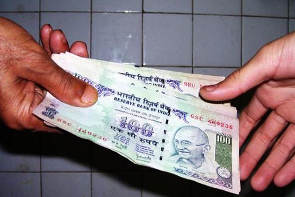 सहकारी सभा का सचिव 10 हज़ार रुपए की रिश्वत लेता रंगे हाथों काबू