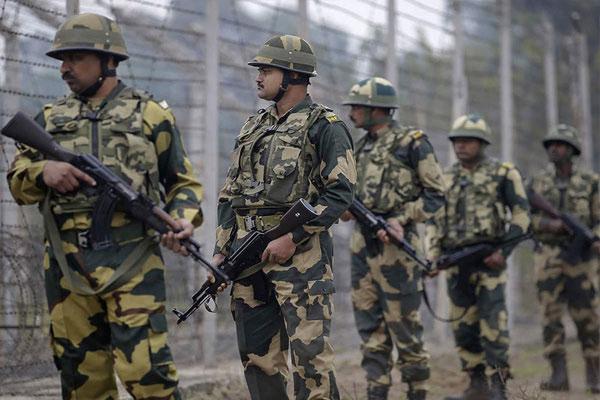 बीएसएफ ने पंजाब में पाकिस्तान बॉर्डर पर 2 किलो हेरोइन जब्त की
