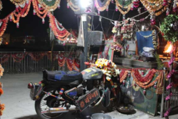 people worship bullet baba in rajasthan - Weird Stories in Hindi
