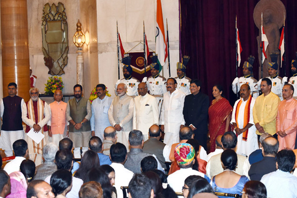 Major shuffle in Modi cabinet, Know portfolios of all ministers - India News in Hindi
