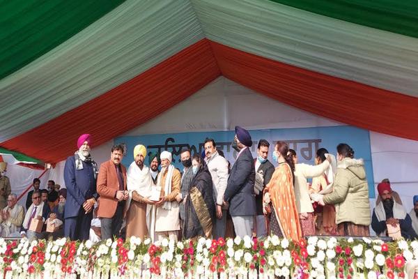 Punjab CM lays foundation of Jallianwala Bagh Memorial Park - Punjab-Chandigarh News in Hindi