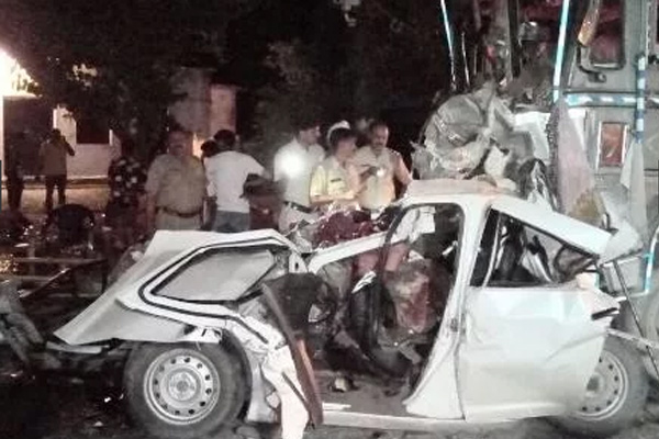 5 people die in a painful accident, blood-stained road - Sirmaur News in Hindi