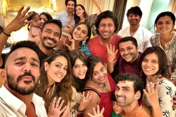 Celebs throng Ekta Kapoor Ganpati celebrations - Television News in Hindi