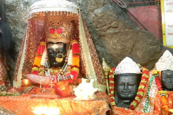 OMG! The lamp in this temple burns with water, know how this miracle happened - Weird Stories in Hindi
