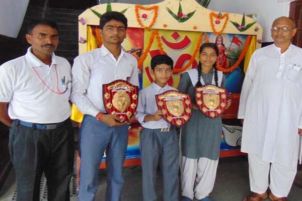 शतरंज प्रतियोगिता में सरस्वती विद्या मन्दिर चैम्पियन, 13 स्कूलों के बीच हुई थी प्रतियोगिता