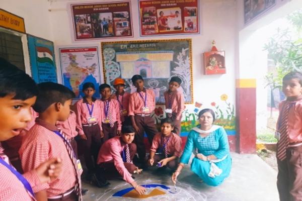 यूपी में प्राथमिक विद्यालय के बच्चे मिशनरी स्कूलों को दे रहे मात, आखिर कैसे, यहां पढ़ें