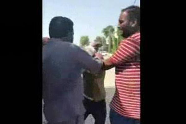 पर्स लूटने की कोशिश कर रहे दो चोरों की जनता ने की जमकर धुनाई