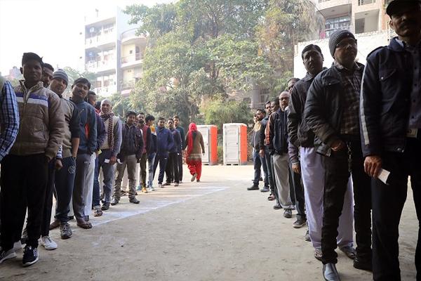 81 percent of Delhi voters got fake news during election: survey report - Delhi News in Hindi