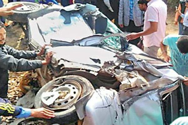 To see a death in front of feel scare, left the car on track - Churu News in Hindi