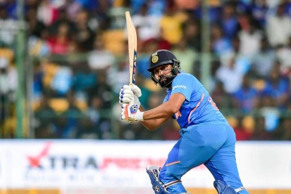 रोहित को देखकर नहीं लगता, वह गेंद को जोर से मारते हैं : हेजलवुड