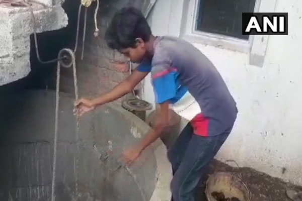 Maharashtra: We dug 20 feet well in 22 days and got water, see photos - Weird Stories in Hindi