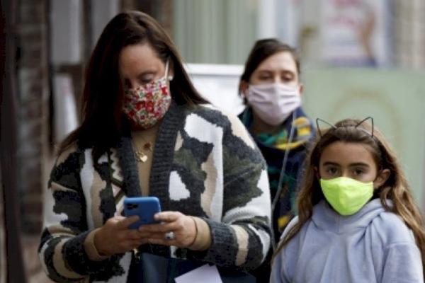 UK records another 33,552 coronavirus cases, 1,348 deaths - World News in Hindi