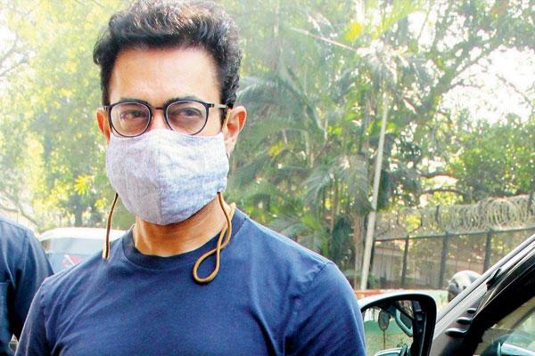 Superstar Aamir Khan Corona report came positive, Quarantine at home - Mumbai News in Hindi