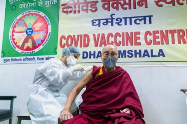Dalai Lama takes first dose, appeals to get Covid-19 jab - Dharamshala News in Hindi