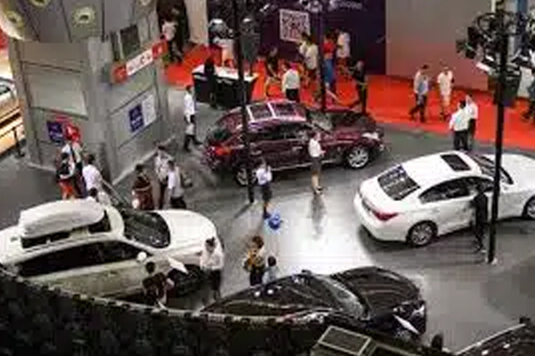 Covid shadow Auto Expo 2022 postponed - Automobile News in Hindi
