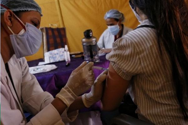 Vaccination of 5.22 lakh people in Gurugram, highest in Haryana - Gurugram News in Hindi