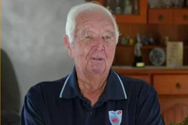 Crowell hung on the cricket field even at the age of 91 - Cricket News in Hindi