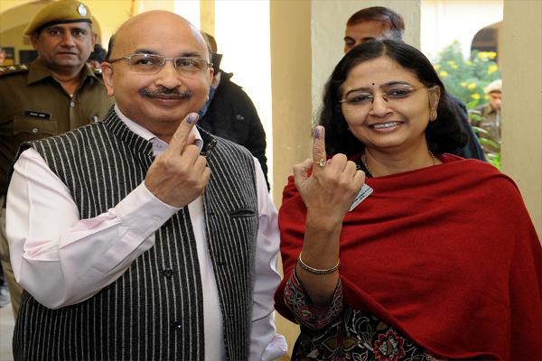 Chief Secretary, DGP and Commissioner, Ravi Jain cast vote - Jaipur News in Hindi