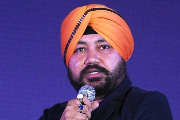 Daler Mehndi: Always try to deliver unique experience to music lovers - Bollywood News in Hindi