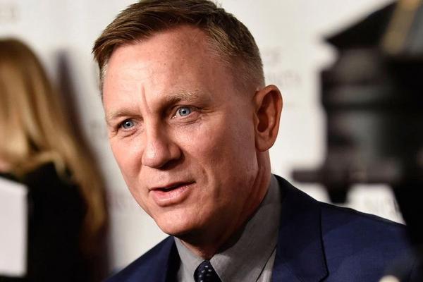 Daniel Craig could play James Bond again - Hollywood News in Hindi