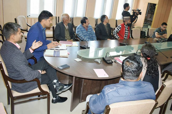 लोकसभा चुनाव की तैयारियों को लेकर डीसी-एसपी ने की बैठक
