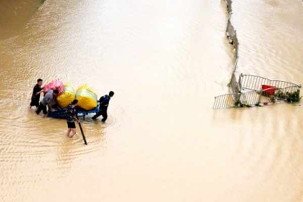 Death toll from heavy rains in China reaches 25 - World News in Hindi