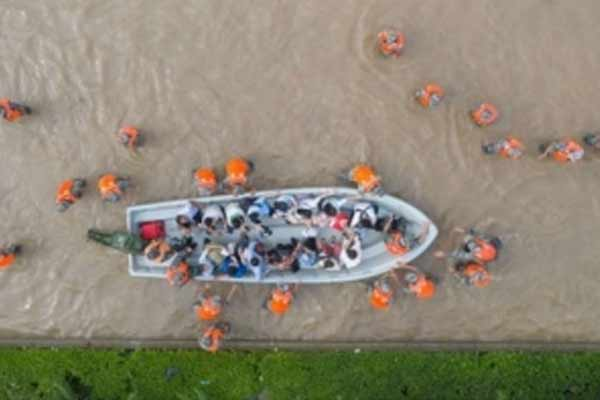 Death toll rises to 69 in China rain-ravaged Henan - World News in Hindi