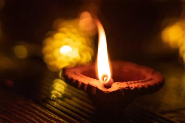 Learn why Deepak burn in auspicious work - Puja Path in Hindi