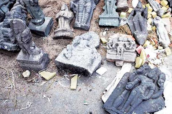 एक माह में तीसरी बार मंदिरों  की मूर्तियों क्षतिग्रस्त, लोगों में आक्रोश