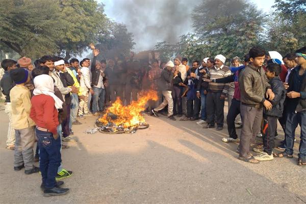 धौलपुर से एक भी मंत्री नहीं, स्थानीय लोगों का विरोध प्रदर्शन