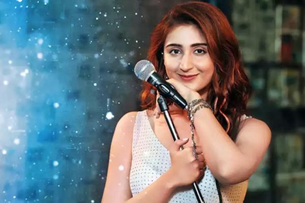Dhvani Bhanushali: 2020 has been a great teacher - Bollywood News in Hindi