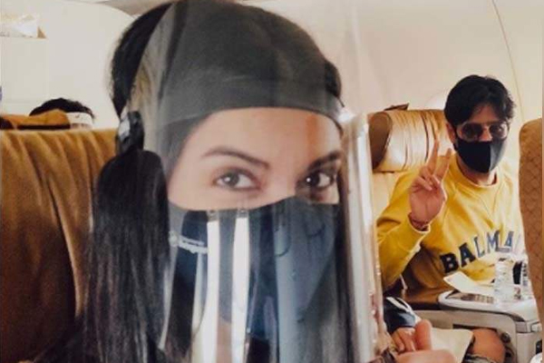 Diana Penty posts pics of flying in the time of Covid - Bollywood News in Hindi