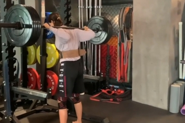 Disha Patani shares glimpse of her fav exercises - Fitness Tips in Hindi