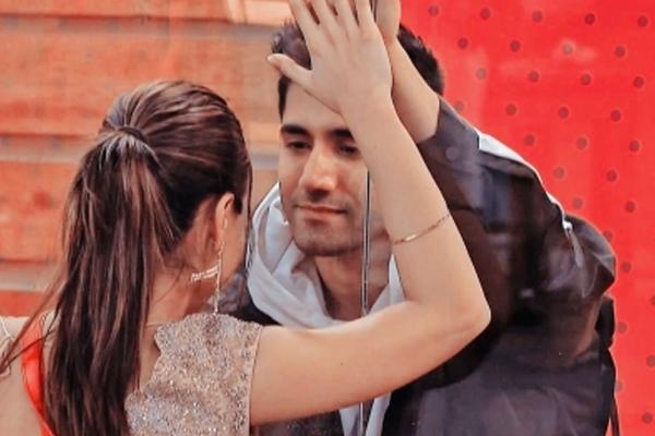 Divya Agarwal breaks down after seeing boyfriend Varun Sood in Bigg Boss OTT house - Television News in Hindi