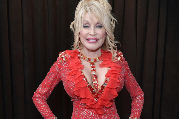 Dolly Parton wants Beyonce to cover her all-time hit, Jolene - Hollywood News in Hindi