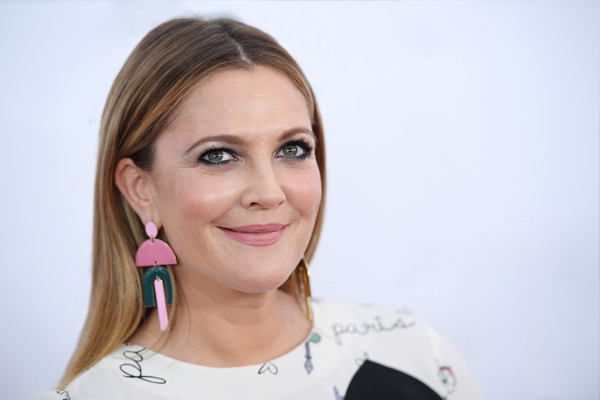 Drew Barrymore wonot lie to her daughters about her past - Hollywood News in Hindi