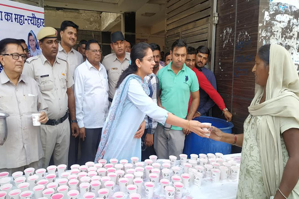 Drinking water to special cups For voters are made aware - Kaithal News in Hindi