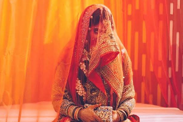 Police arrest dacoit by luring bride - Chhatarpur News in Hindi