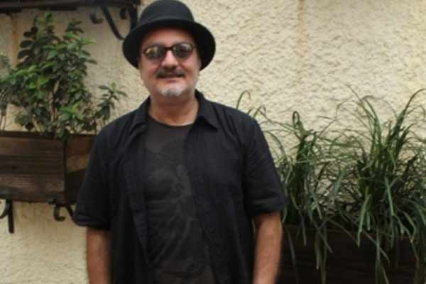 Dust is a desi film with global appeal: Vinay Pathak - Bollywood News in Hindi