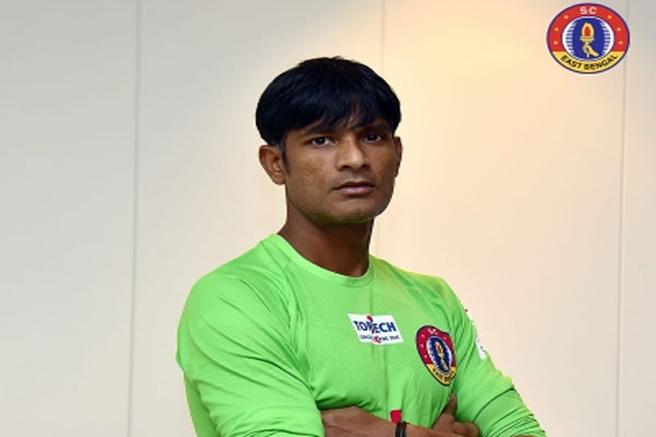 East Bengal tied up with goalkeeper Subrata Paul - Football News in Hindi