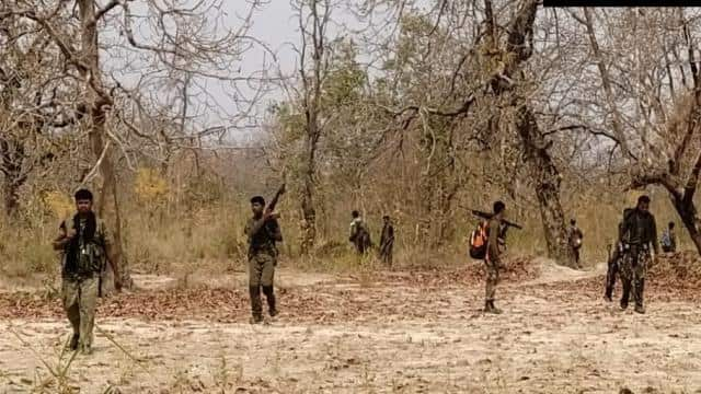 बीजापुर नक्सली हमला : 22 सुरक्षाकर्मी शहीद, तलाशी जारी