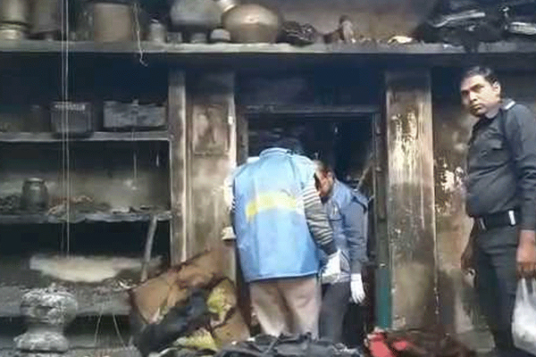 Family of six of two siblings burned to death after eldest brother denied NVF job torched of his younger brothers in Malda - India News in Hindi