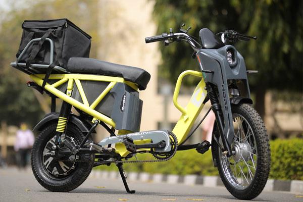 IIT दिल्ली : 20 पैसा प्रति किलोमीटर की एवरेज वाला ई-स्कूटर