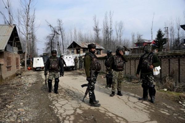 3 terrorists killed in Kashmir encounter - Srinagar News in Hindi